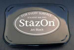 Stempelt auch auf Kunststoff: StazOn von Tsukineko.
